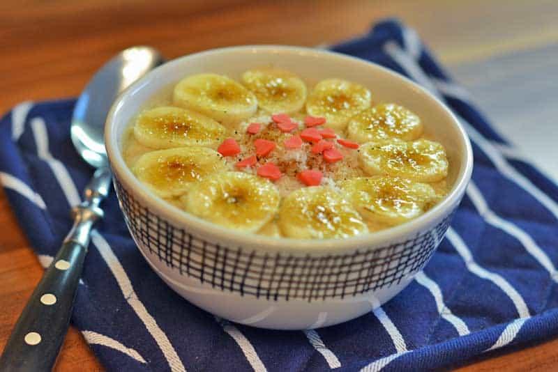 porridge mit kokos und banane tropischer haferbrei. Black Bedroom Furniture Sets. Home Design Ideas