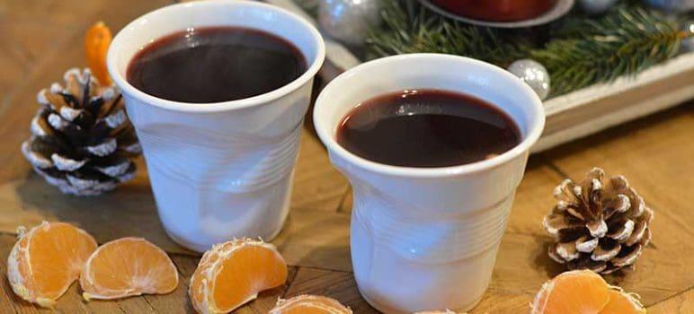 Glühwein mit Mandarinen und Brandy